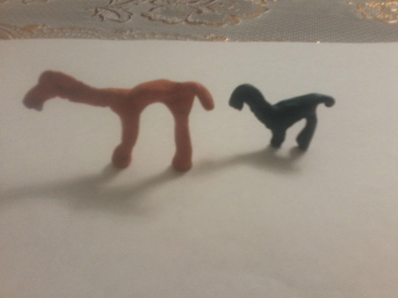две лошадки: Искорка и Радуга